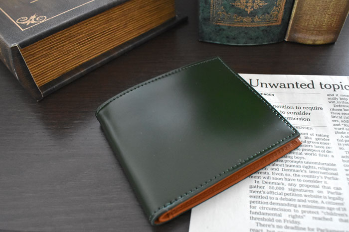 CORDOVAN1957(コードバン1957)二つ折り財布(小銭入れなし)「プレリー1957」 NP12318 商品特徴