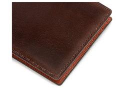 Cordovan Color(コードバンカラー)二つ折り財布(小銭入れなし)「プレリー1957」 NP01318 チョコ 特徴