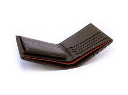 ItalianDeerskin (イタリアンディア) 二つ折り財布(小銭入れあり) 「プレリー1957」 NP17112 チョコ 特徴