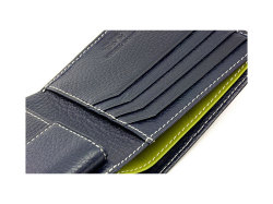 ItalianDeerskin (イタリアンディア) 二つ折り財布(小銭入れあり) 「プレリー1957」 NP17112 特徴