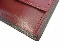 ボックスカーフ ヴェネチアンレザー  二つ折り財布(小銭入れあり)  「プレリーギンザ」 NP56118 チョコ 特徴
