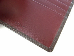 ボックスカーフ ヴェネチアンレザー  二つ折り財布(小銭入れなし)  「プレリーギンザ」 NP56216 チョコ 特徴