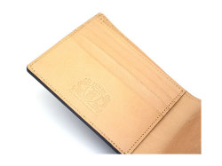 JUWEL Cordovan(ジュエルコードバン)  二つ折り財布(小銭入れなし) 「ジュエル」 NPJ1233 クロ 特徴