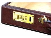 オックスフォード アタッシュケース 「ゴールドファイル」 901509 バーガンディ 特徴
