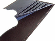 Victoria(ヴィクトリア) 二つ折り財布(小銭入れなし) 「プレリーギンザ」 NPT5212 特徴